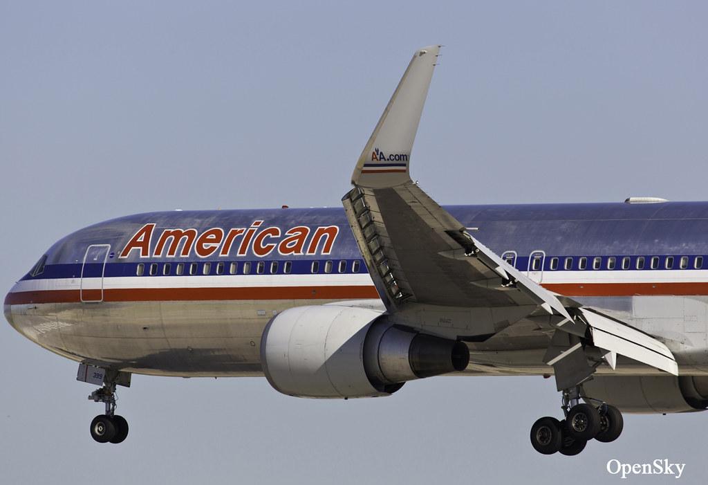 American Airlines Boeing 767-323(ER)(WL) N399AN