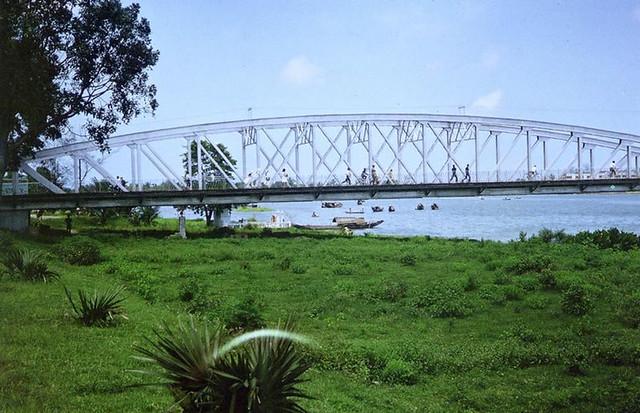 1962-63 Hue - Perfume River