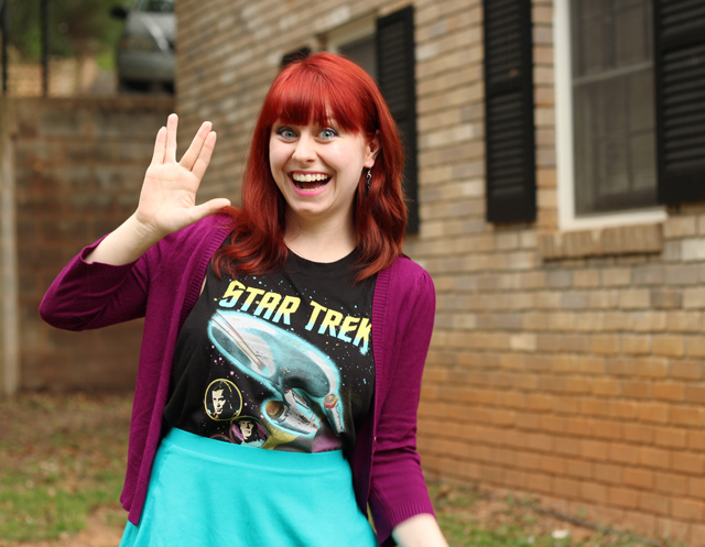 Vulcan Salute - Star Trek Shirt