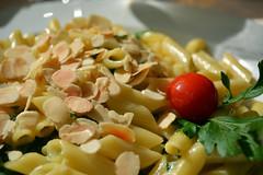 spaghetti(0.0), fettuccine(0.0), pasta salad(1.0), salad(1.0), vegetable(1.0), vegetarian food(1.0), pasta(1.0), produce(1.0), food(1.0), dish(1.0), carbonara(1.0), cuisine(1.0),