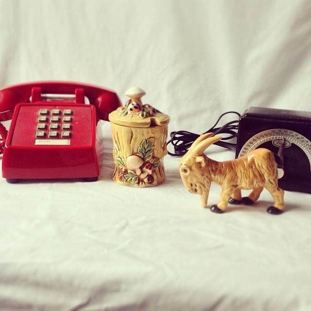 New thrift finds for the shop: red phone, Lefton honey jar, mountain goat figurine, black metronome. #vintagedecor #comingsoon #vintagesoup