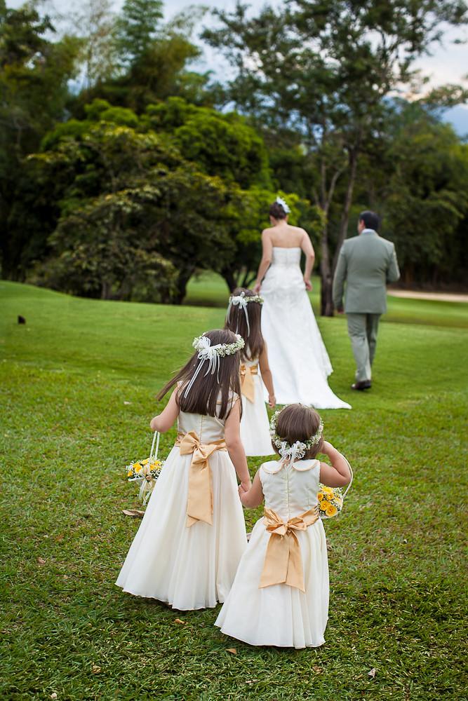 bodas campestres, tendencias 2013, boda católica, boda bo… | flickr