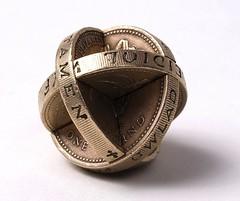 Wechsler14 interlocked Pound coins