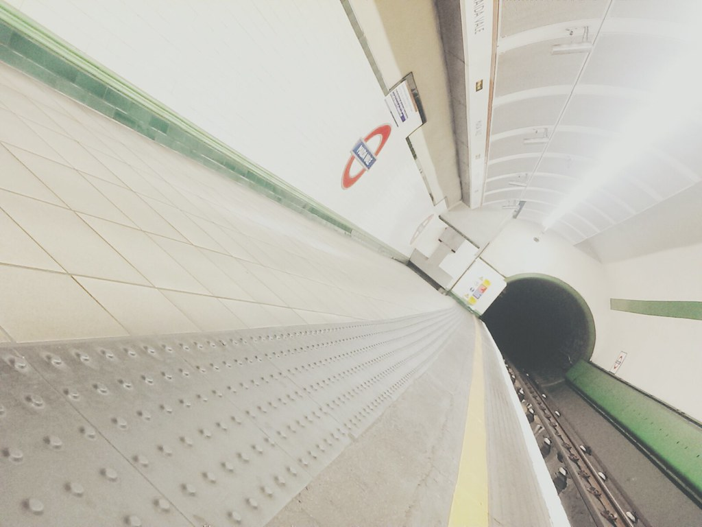 Maida Vale, 11:06