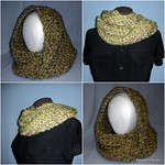 Ali-Mobius-Cowl-Free-Crochet-Pattern-Lion-Brand-Homespun