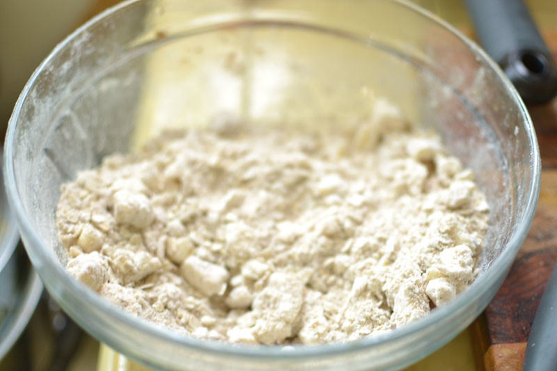 Flour and oat topping for pomegranate and pear crumble.