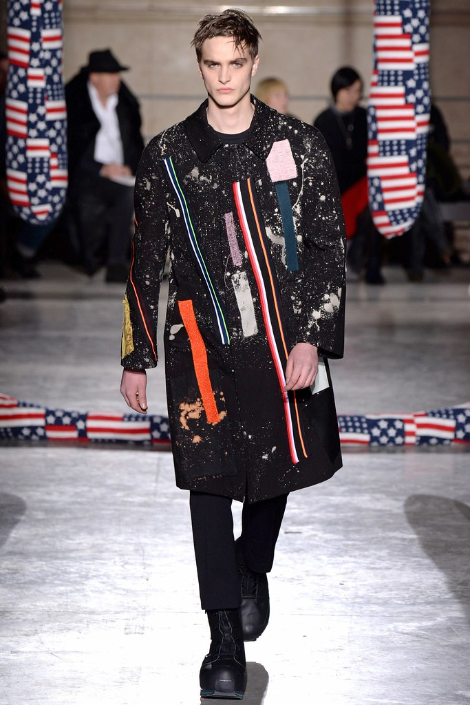 FW14 Paris Raf Simons021_Robert Laby(VOGUE)