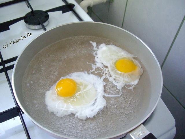 Ochiuri romanesti la micul dejun (3)