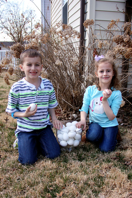 Nat-and-Aut-in-grass-before-egg-hunt