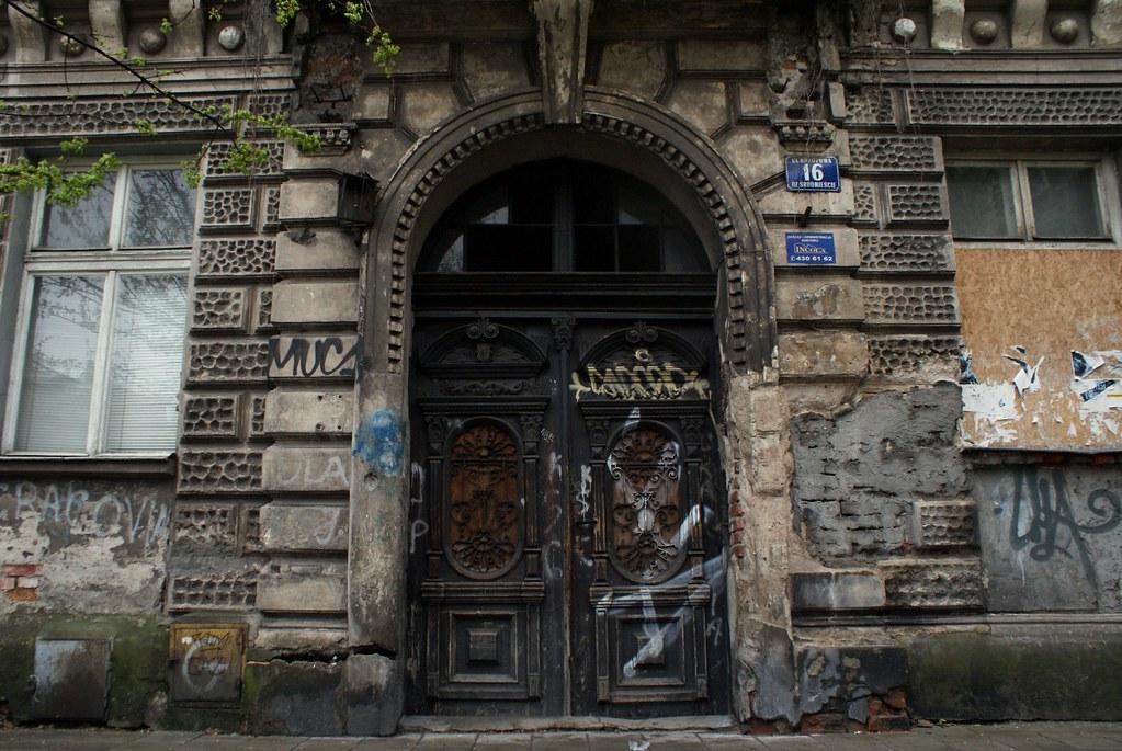 Immeuble délabré dans le quartier de Kazimierz à Cracovie