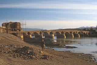 Found Photo - Iran - Isfahan - Shahrestan Bridge - Oct 1976.tif