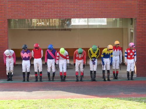 佐賀競馬場のジョッキー整列