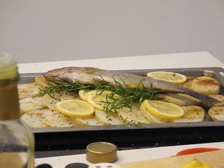 地中海式香料烤魚。