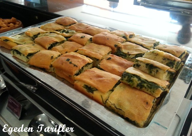 sodalı ve ısırgan otlu ekmek