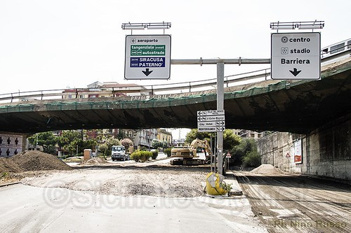 Catania, demolizione Tondo Gioeni: primo incidente$