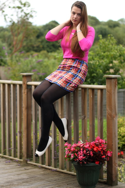 Outfit of the day, OOTD, uk style blog, J Crew pink jumper, J Crew skirt, flats