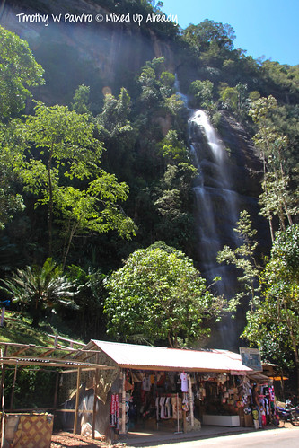 Indonesia - West Sumatra - Lembah Harau - Resort Aka Barayun - The waterfall