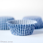 Blue & white check small cupcake cases
