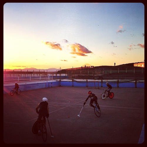 Sunset. Burning clouds, red mountains, mt. Fuji, and bike polo. #bikepolo #tokyohardcourtbikepolo #kugenuma #sunset #mtfuji