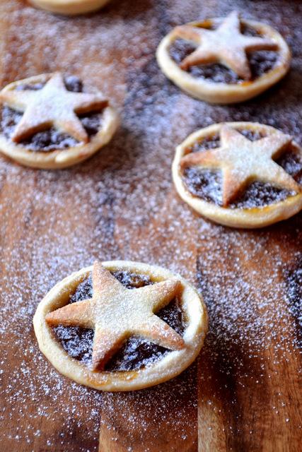 Marzipan Mince Pies Recipe (3)