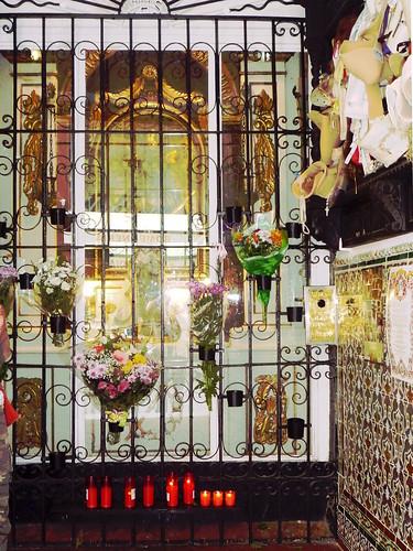 Heiligkeiten in Eingangspassage