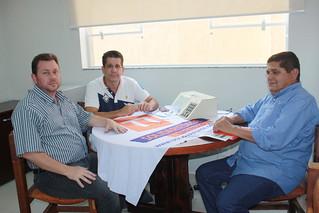 Foto Fernando Coelho, de Santa Rosa do Viterbo, com David Martins e Paçoca