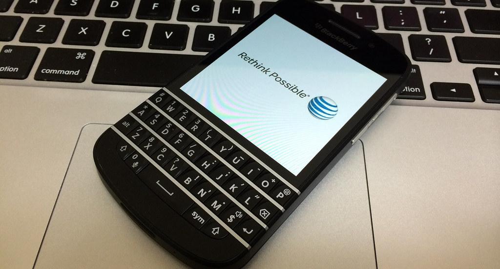 AT&T Q10