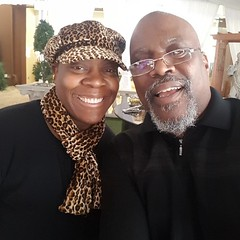 Another amazing Singing Woman of God. Sharon Dupree-Haynes have a great time today in ministry. This is awesome worship.