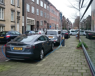 Cars in the city: electric, Amsterdam