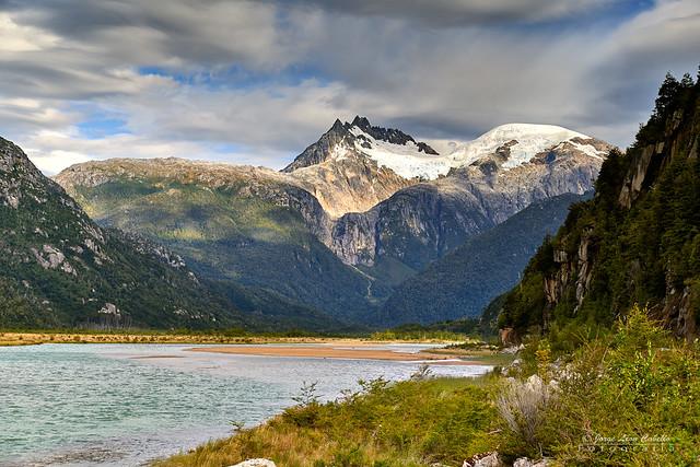 Lago Bayo y Cerro Caballo - Valle Exploradores (Patagonia Chile)