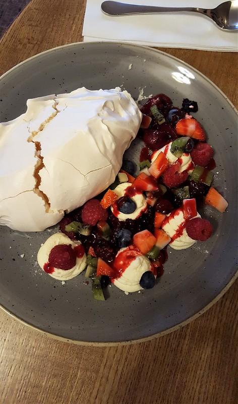 Pavlova for dessert