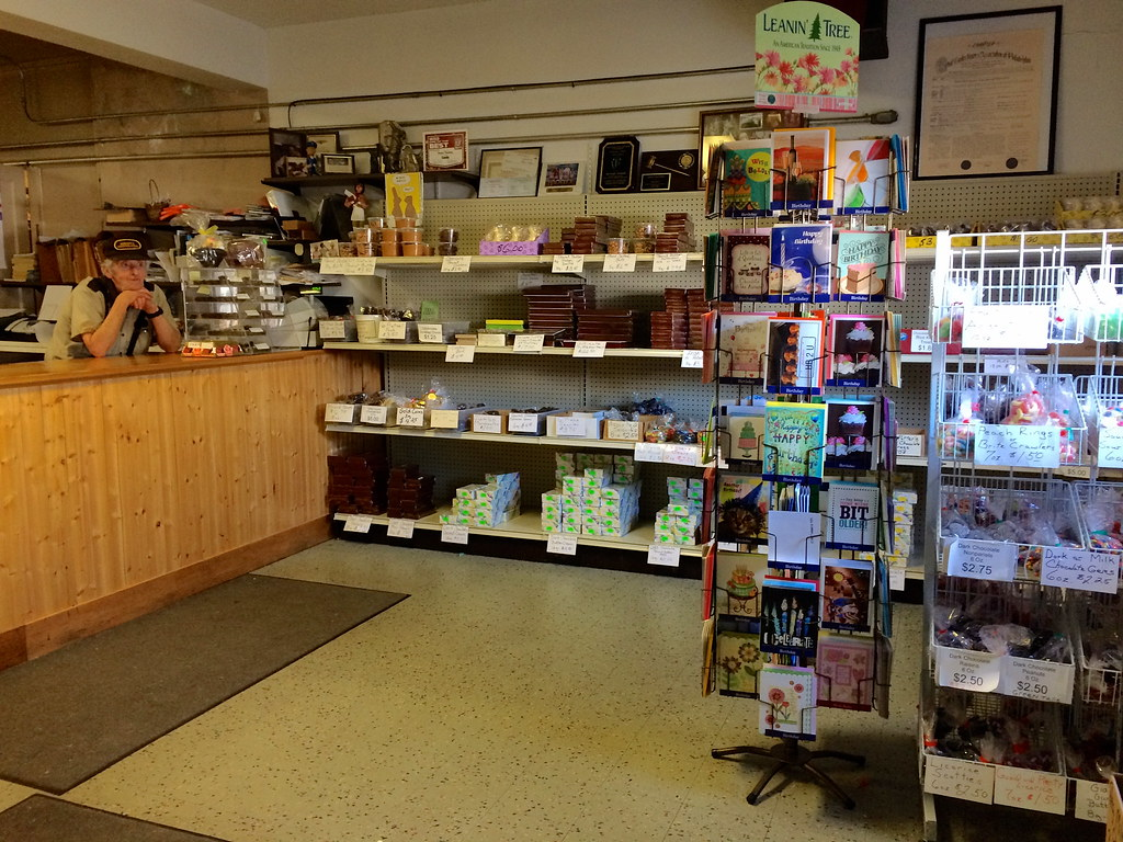 Bergin's Chocolates - Lansdale , West Point, PA - Pennsylvania - Retro Roadmap