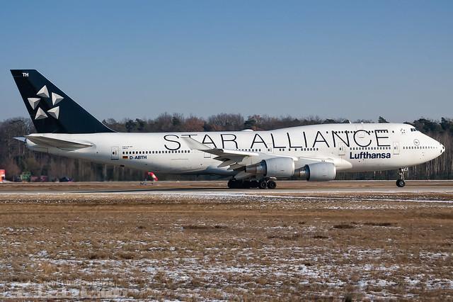D-ABTH Lufthansa Boeing 747-430 Star Alliance livery and soccer radom