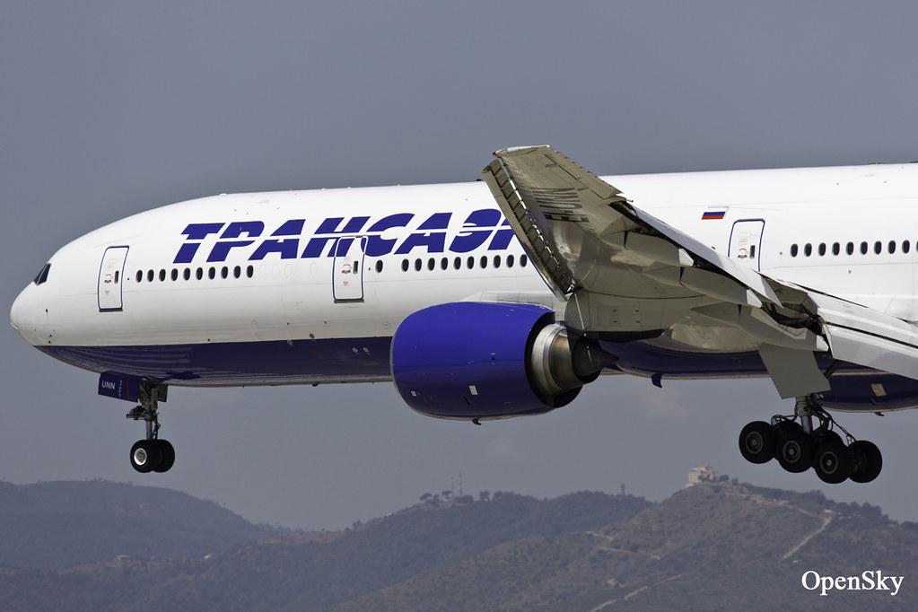 Transaero Airlines Boeing 777-312 EI-UNN