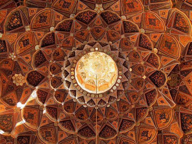 Beautiful Muslim architecture ceiling