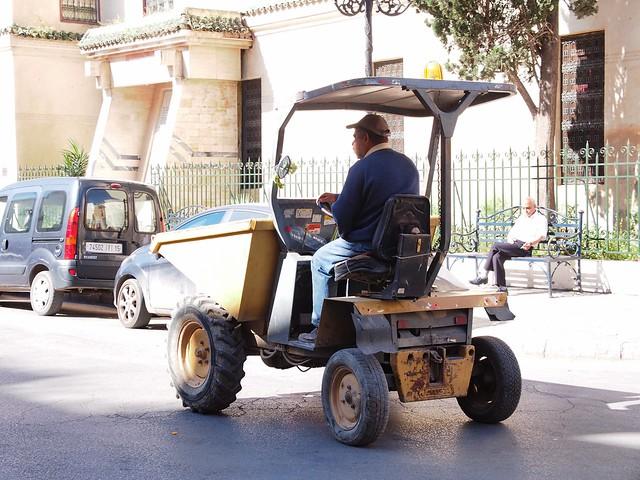 FES老城的工程車