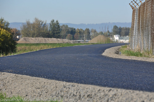 New section of Columbia Slough path-26