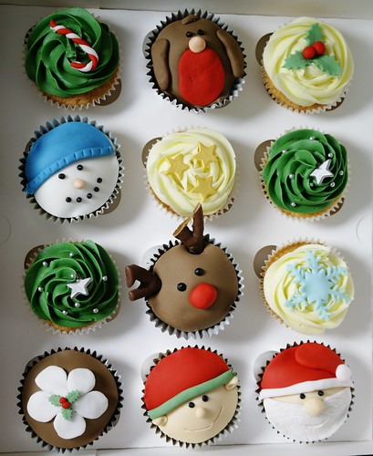 What s Baking in December: Christmas Cupcake Flavors