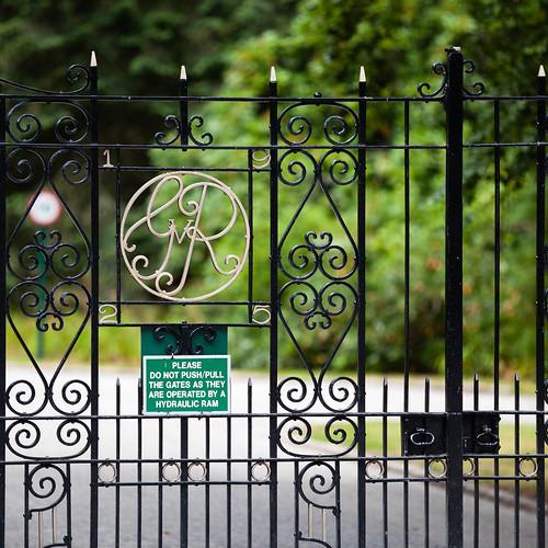 Balmoral Gate; copyright 2013: Georg Berg
