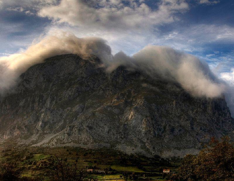 9. Cabellera de niebla en Picos de Europa. Autor José Miguel