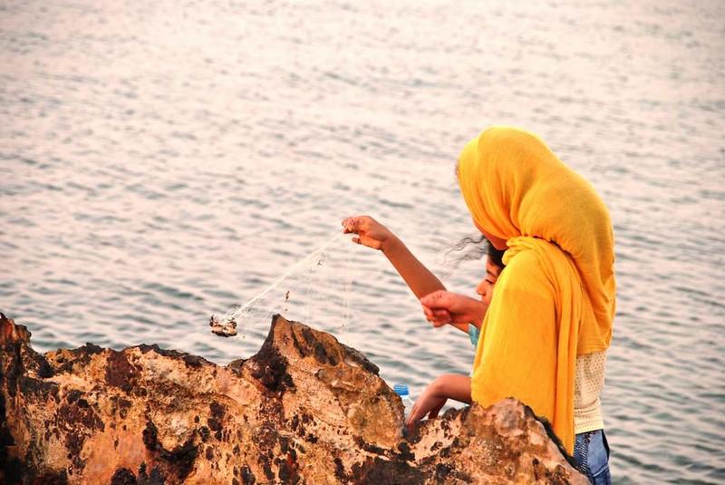 88 niñas jugando al atardecer En la Isla de Hengam (109)