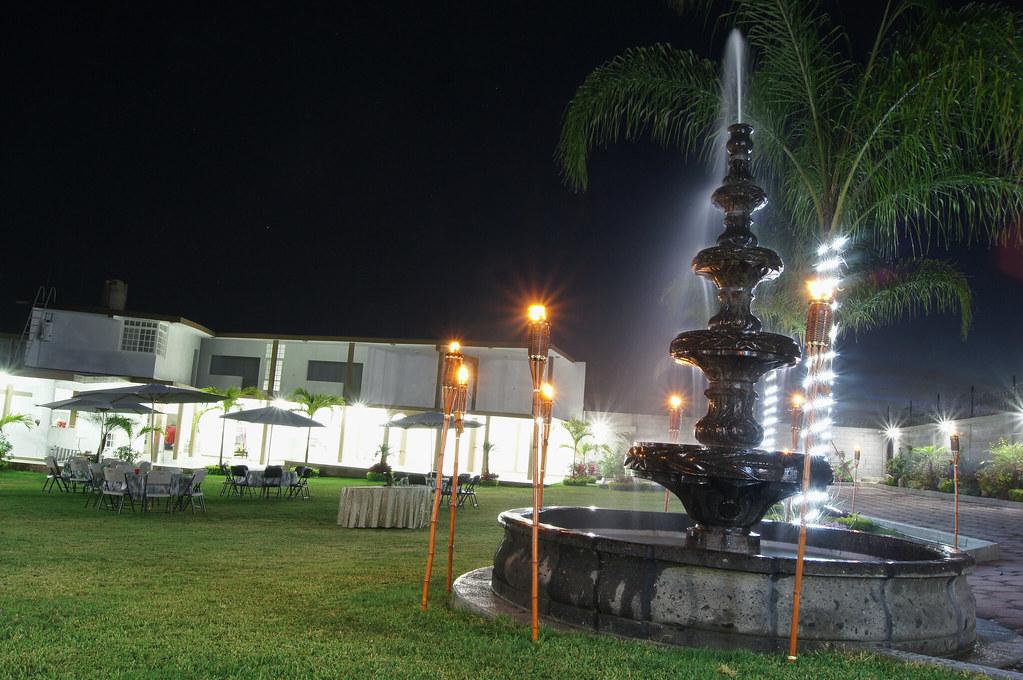Fotografia de noche jardin de fiestas bibci cuautla for Jardin xochicalli cuautla