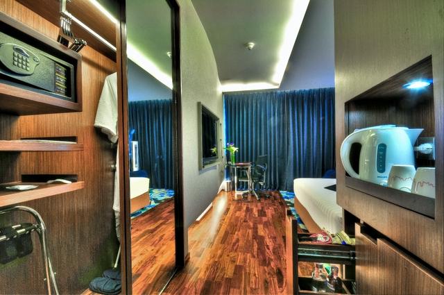 Review Galleria 10 Hotel Bangkok