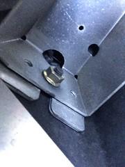 運転席側のリアバンパー支え_IMG_6895