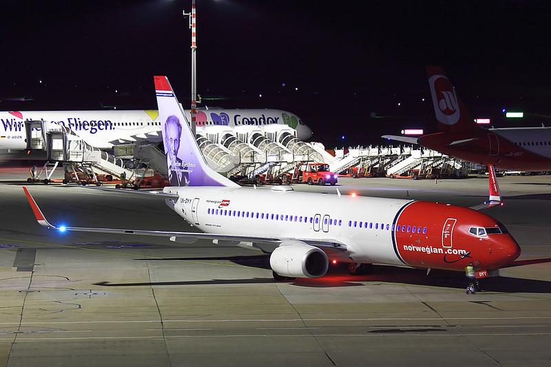 Norwegian - B738 - LN-DYY (2)