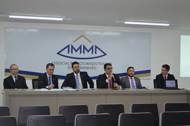 Magistrados e promotores debatem Reforma da Previdência, no auditório da AMMA