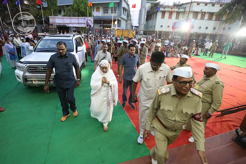 Arrival of Her Holiness in Satsang Vanue