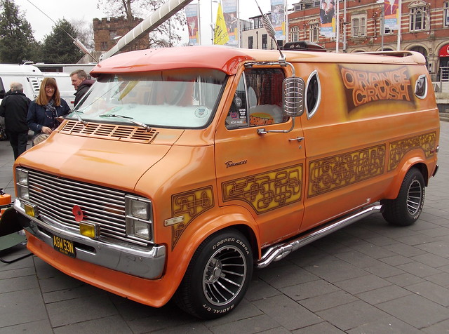 1975 Dodge Tradesman 200 custom van 'Orange Crush'