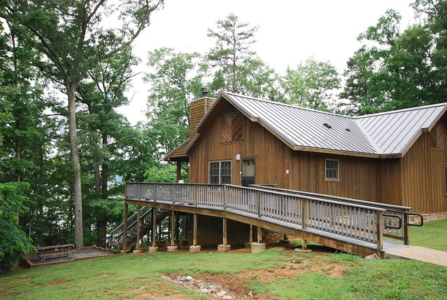 welcome to cabin 4 at occoneechee state park