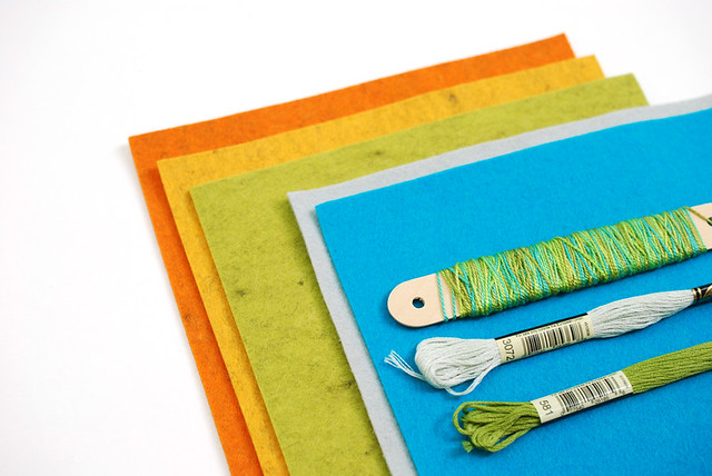 DIY Felt Needle Book